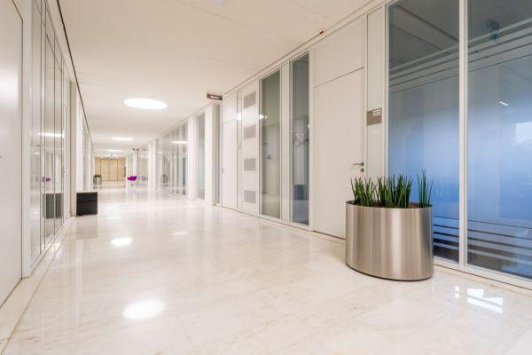 Deprinse Kristof - FARINA pendelverlichting in het kantoor