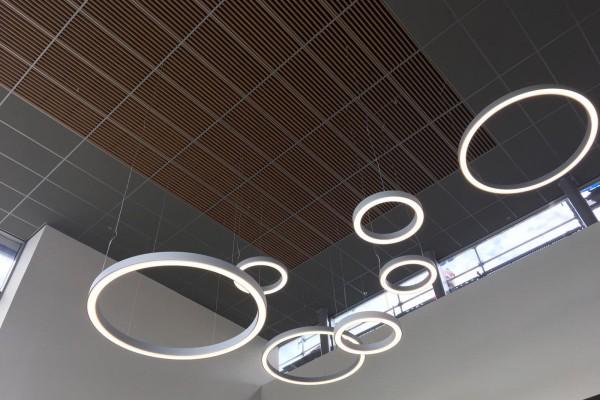 FARINA - vierkant armatuur en lijnverlichting in kantoor
