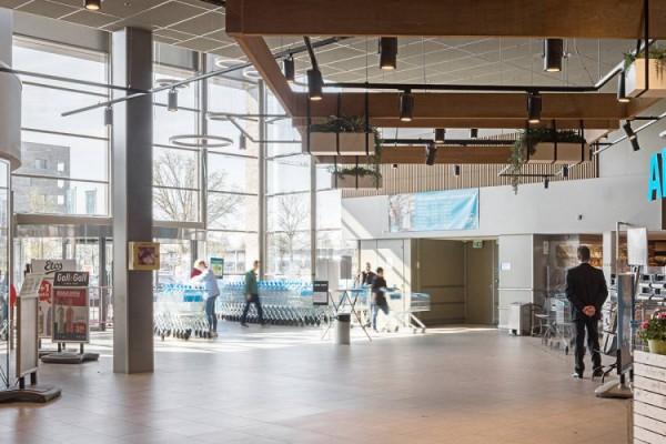Woonmall Praag - BLORE 111 ronde ring verlichting in winkelcentrum