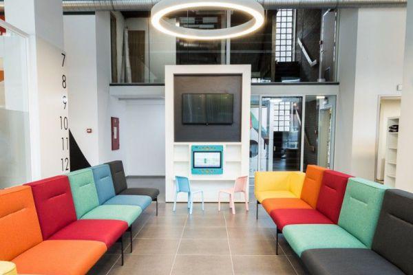 Van Kessel Groep - RINALDI vierkante pendelverlichting in meetinroom